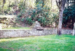 dads walls and firepit 001